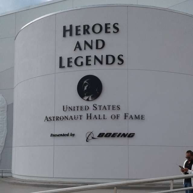 Nasa - Heroes And Legends