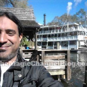 Liberty Boat – Desde el area de Frontierland